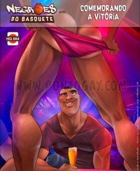 Negrões do basquete fodendo branquelo delicioso em carton gay
